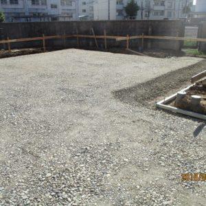 永和住宅基礎砕石敷き